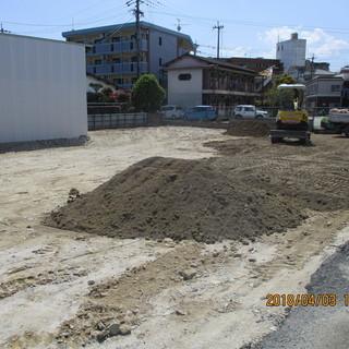 福岡、便利屋、埋め戻し工事、ユンボオペ、整地作業