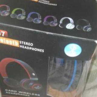 値下げ台湾製品無線ラジオ付き、多機能イアホン未使用