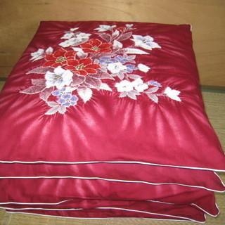 座布団☆5枚・赤い花柄カバー・収納袋付き