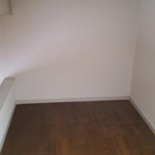 大変綺麗なアパートです。繁華街に近くとても便利な場所で環境抜群。全部屋家電付! カーテンも取付有! 大変人気の高い物件!TEL:027-289-6937   − 群馬県