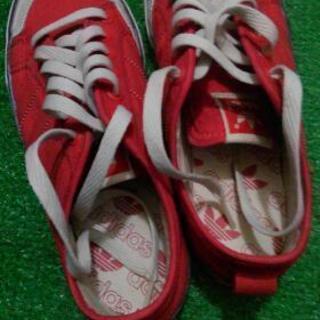 アディダス 靴