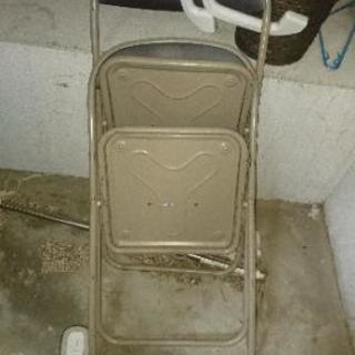 パイプ椅子 無料