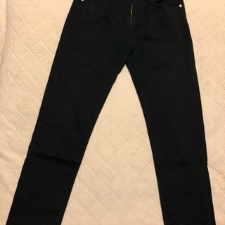 GU黒パンツ