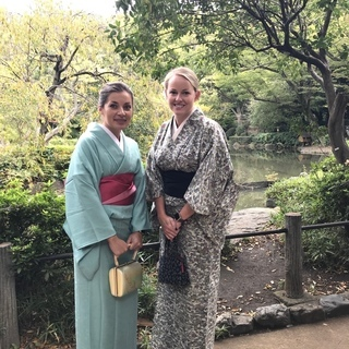 【通訳・女性限定】レンタル着物&ツアーに同行し観光客の通訳ボランティア