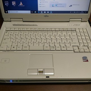 中古パソコン富士通NF/A70--15インチ白★Windows10 - 和歌山市