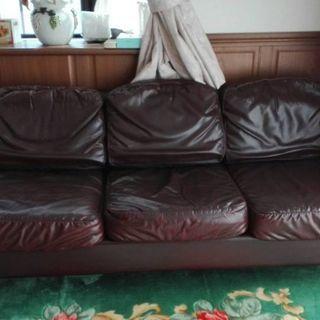 革張りソファー