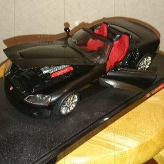 ダッヂ バイパー 1/18モデルカーの画像