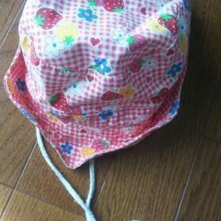 ⑭いちごの帽子
