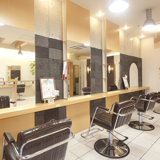 美容師、美容学生、アルバイト、アシスタント/一緒に美容師ENJOYお仕事しましょう☆美容師の喜びを考えます!色んな働き方♪美意識UP特典◎ 正社員お祝い金MAX5万円 - 美容