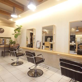美容師、美容学生、アルバイト、アシスタント/一緒に美容師ENJOYお仕事しましょう☆美容師の喜びを考えます!色んな働き方♪美意識UP特典◎ 正社員お祝い金MAX5万円 − 大阪府