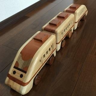 木の電車(手作り)