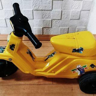 黄色いバイク あしこぎ三輪車 公園レーサー 使用品