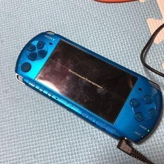 PSP 3000 充電器付。