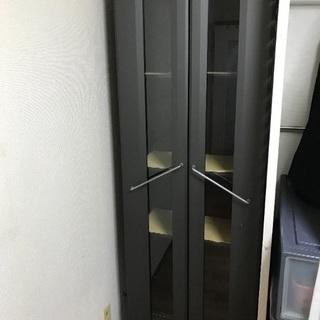 ガラス扉キャビネット食器棚差し上げます。