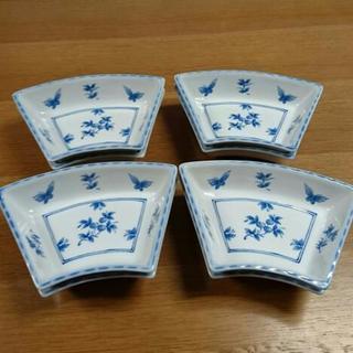 扇形の皿8枚セット