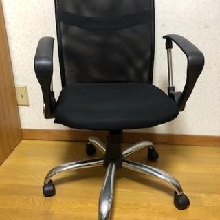 黒 椅子の画像