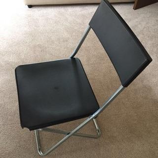 IKEAの折りたたみ椅子