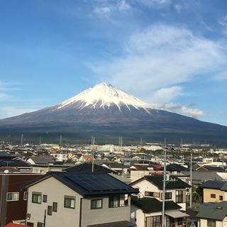 富士山ビューの大き目中古1戸建て 7DKS(納戸、1階ホール、2...