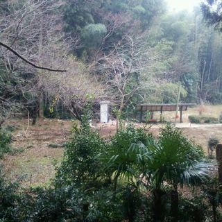 (資材等置場にも最適)・宅地330坪・更地・井戸有・電気有・下水完...