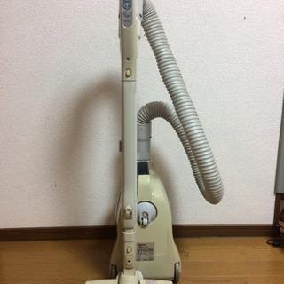 TOSHIBA製の掃除機です