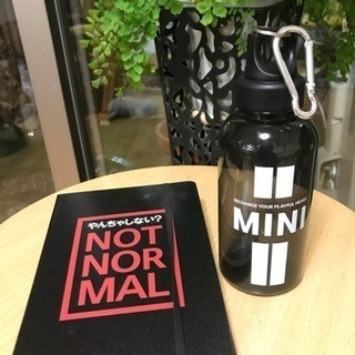 MINIのノートとウォーターボトル
