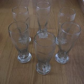 長めのガラスコップ