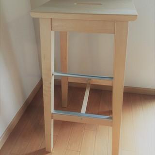 IKEA 装飾としても使える木製ハイチェア2脚 高さがあるのでキッ...