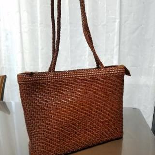 美品💓編みバッグ