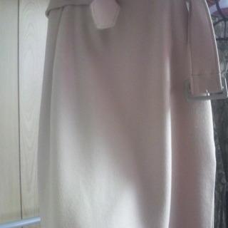 冬用のベージュ色のスカート
