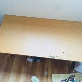 小さいテーブル?