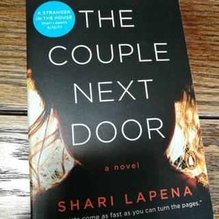 【洋書】The Couple Next Door by Shar...