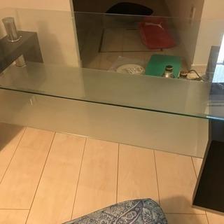 中古 ガラステーブル 譲ります
