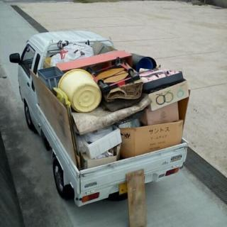 不用品や少々のゴミなど引き取ります。1000円〜。
