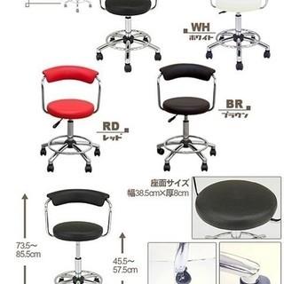 クロームメッキ仕上げの回転椅子(1脚)