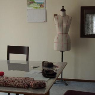 アトリエ フルリという名で手編み教室を主宰しています。自分だけのニ...