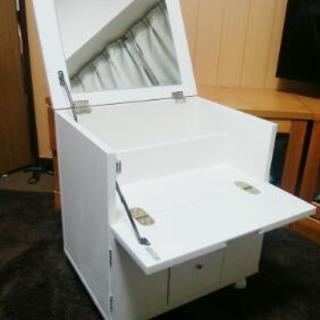 美品 メイクボックス 収納たっぷり