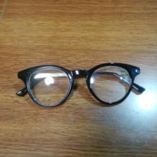 アダムエロペのブランドのメガネ