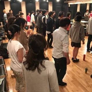 【メジャーレコード会社にて発声・ボイストレーニングワークショップ中...
