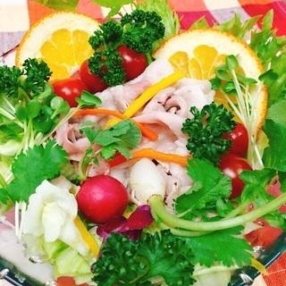 ぶどう豚の春サラダ