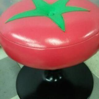 トマトのデザインの可愛い回転チェアー