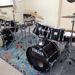 千葉県鎌ケ谷市にある「剱地(つるぎち)ドラム教室」の講師をしてい...