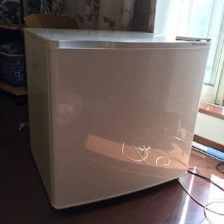 小型冷蔵庫タダであげます^_^