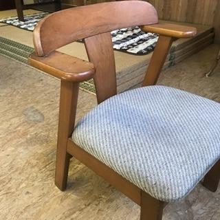 木製椅子2脚