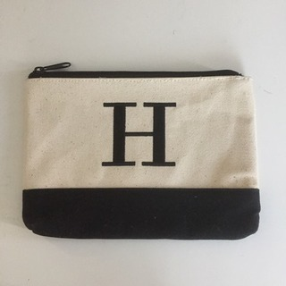 未使用:「H」が目印なポーチ しっかりしていて小物まとめられます