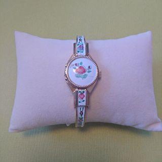スイス製 ブレスレット時計