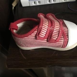 この靴の右足の靴を探しています