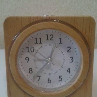 小さなめざまし時計