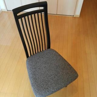 ドタキャンしない方に価格交渉応じます。椅子一脚
