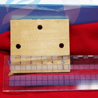 特注品の木札 57㎜×52㎜ 厚さ6㎜ Φ5㎜穴3箇所 多数ございます