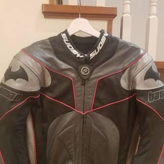 超希少・未使用 バットマン・デザイン・コラボ ライディングスーツ ...
